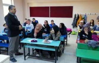 Korkmaz Yetiştirme ve Destekleme Kurslarını Ziyaret Etti