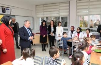 Vali Nayir'den mesleki ve teknik lisesine ziyaret