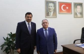 Vali Nayir'den Büyükşehir Belediyesi Genel Sekreteri Ak'a Hayırlı Olsun Ziyareti