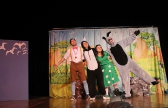 'En İyi Çocuk Ödülü' AKM'de sahnelendi