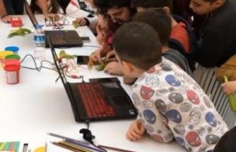 IEEE Öğrenci Topluluğundan Temel Algoritma ve Basit Robotik Kodlama Eğitimi