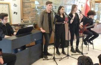 Sakarya Anadolu Lisesi Cumartesi Günü TRT Müzikte