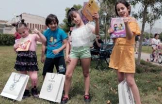 """ŠKODA'nın """"İyilik Araçları"""" Düşyeri Kitaplarını Çocuklarla Buluşturdu"""
