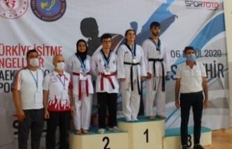 İl Müdürü Arif Özsoy,Özel Şampiyonları Ağırladı
