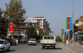 Kocaali'de Caddeler, Türk ve Azeri Bayrakları ile donatıldı