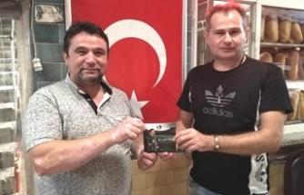 Akif Yener eskimiyen dostu Fahri Kuş'u ziyaret etti...
