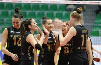 VakıfBank ligdeki liderliğini sürdürüyor