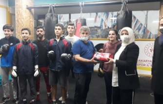 Milletvekili Atabek Şampiyonla Boks Yaptı