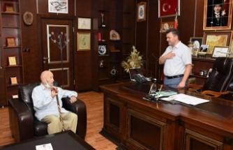 93 Yaşındaki İhsan Babadan Başkan Sarı'ya Vefa Ziyareti