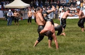 Güreşçiler kurtdereye hazırlanıyor