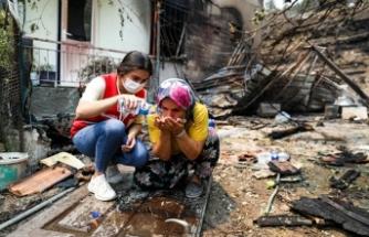 Kızılay orman yangınlarından etkilenenlere destek oluyor