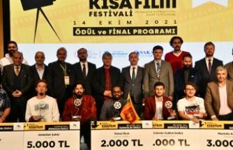 7. Sakarya Uluslararası Kısa Film Festivalinin Gala Gecesi Yapıldı
