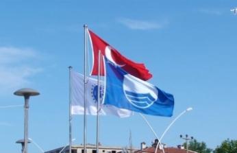 """Karasu'da İki Plaja """"mavi bayrak"""" çekildi"""