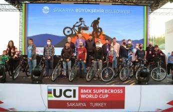 Ayçiçeği'nde başlayan BMX Dünya Kupası 5. tur yarışları nefes kesti