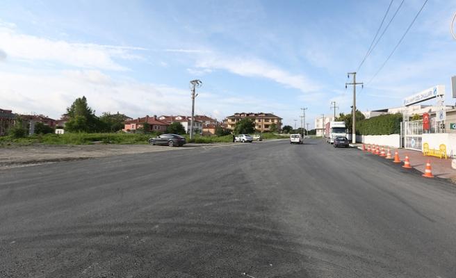 Serdivan Kolej Sokak sıcak asfaltla buluştu