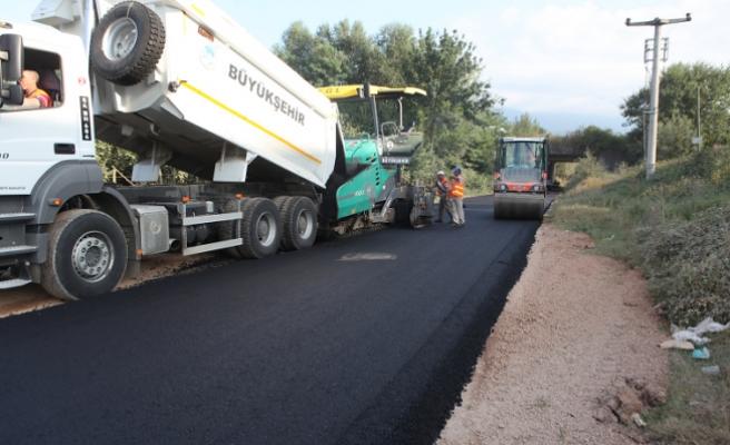 Hendek Çakallık'a sıcak asfalt