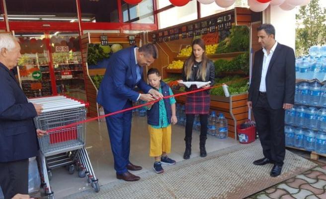 Teyze 3'üncü marketini de açtı