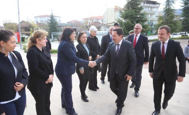 Vali Balkanlıoğlu Sapanca Kaymakam Vekilini Ziyaret Etti