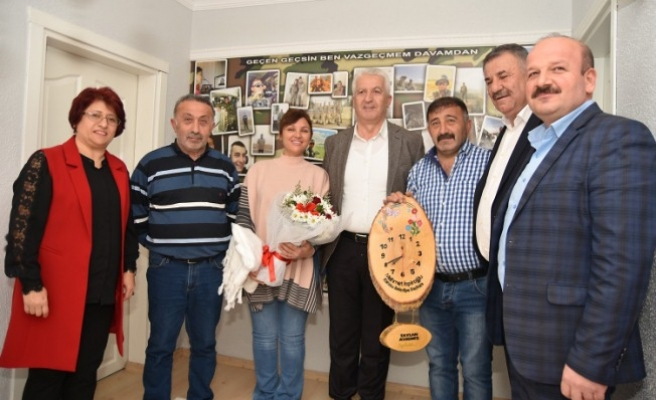 İspiroğlu, Afrin'de Görevli Uzman Çavuş'un Baba Evini Ziyaret Etti
