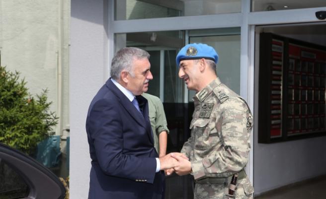 Toçoğlu Tugay Komutanı Acartürk'e başarılar diledi