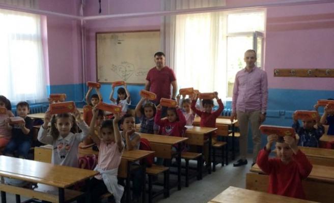 Minik öğrencilerin heyecanına ortak oldular