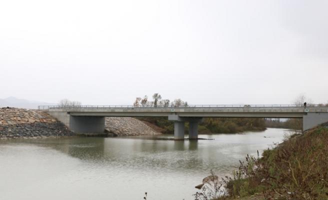 Arifiye'nin yeni köprüsü tamamlandı