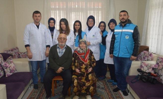 Sakarya'da 15 Bin Yaşlıya Kişisel Bakım Ve Sağlık Hizmeti