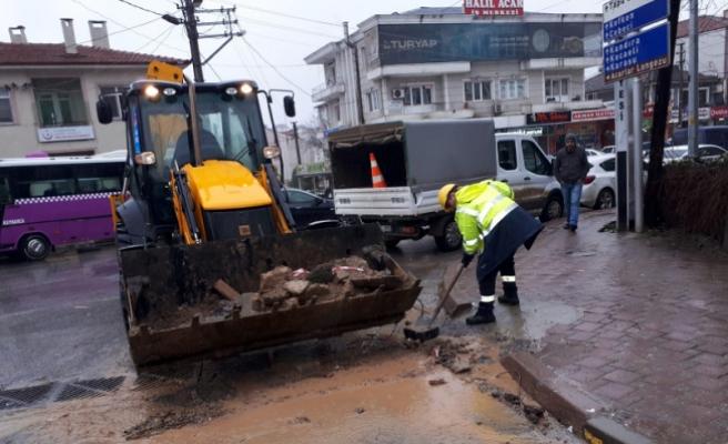 SASKİ ekipleri yoğun yağışlara karşı sahada