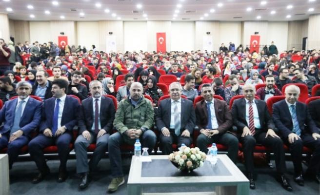 Vali NAYİR ' Oyun Bozan Türkiye' isimli Konferansa Katıldı