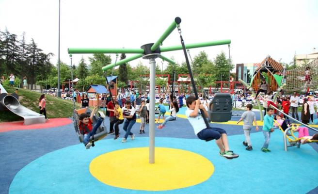 Büyükşehir'den çocuklar için 530 park
