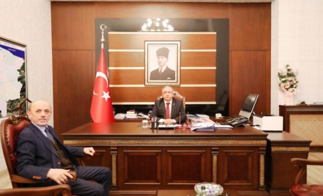 Erenler Belediye Başkanı Öztürk Vali Nayir'i Ziyaret Etti