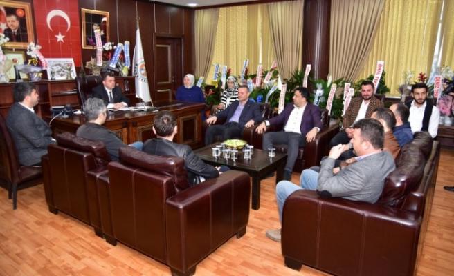 AK Parti İlçe Teşkilatı'ndan Başkan Sarı'ya Ziyaret