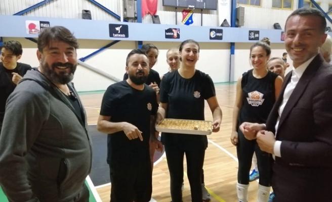 Sultanlar şampiyonluk için açıldı; damaklar tatlandı
