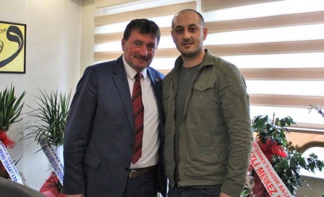 Ferizli Belediyesi'nden Serdivan'a atandı