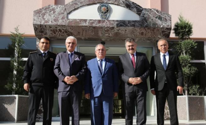 Vali Nayir Kocaeli'de Temaslarda Bulundu