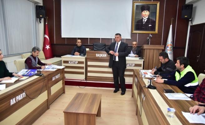 Başkan Sarı, birim müdürleri ile toplantı yaptı