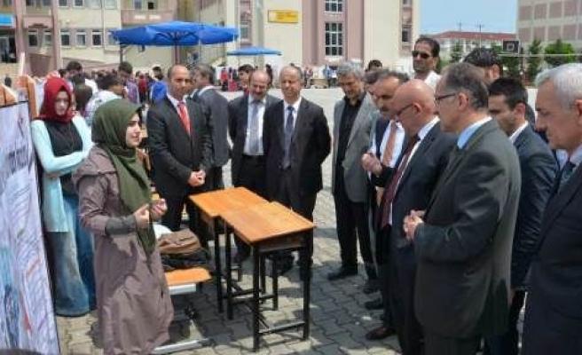 Karasu'da 2. TÜBİTAK Bilim Fuarı Açıldı