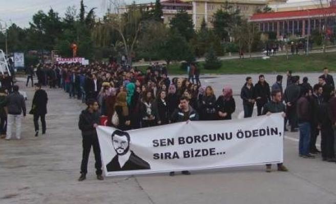 Sakarya'da Ülkücü Öğrenciler Fırat İçin Yürüdü