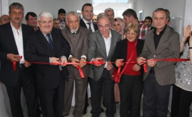 Serbestler Diş Polikliniği açıldı