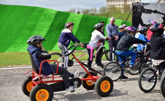 Minikler Bisiklet Vadisi'nde pedal çevirdi