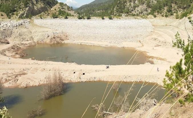Kayaboğazı Sulama Göleti Kurudu
