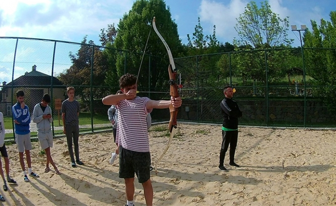 Kocaali'li gençler Pamukova kampında