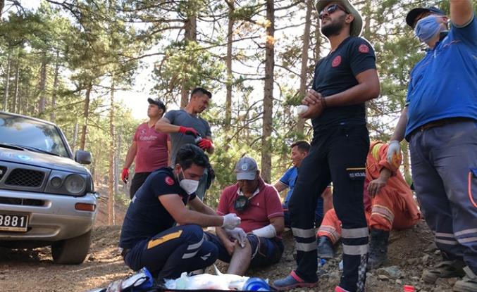 Yangın bölgesinde yaraları sarıyorlar