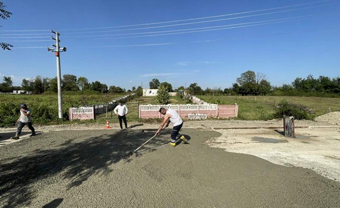 Arifiye Belediyesinden Beton Yol Çalışması