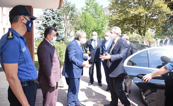Bakan Yardımcısı Hasan Büyükdede Karasu'yu Ziyaret Etti