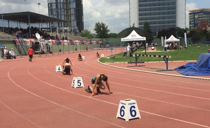 Atletizm Şampiyonası'na Büyükşehirli sporcular damga vurdu