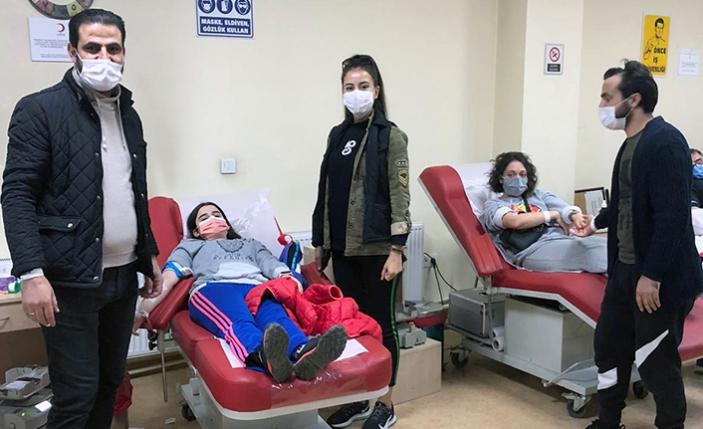 Arama ve kurtarma ekipleri kan bağışladı