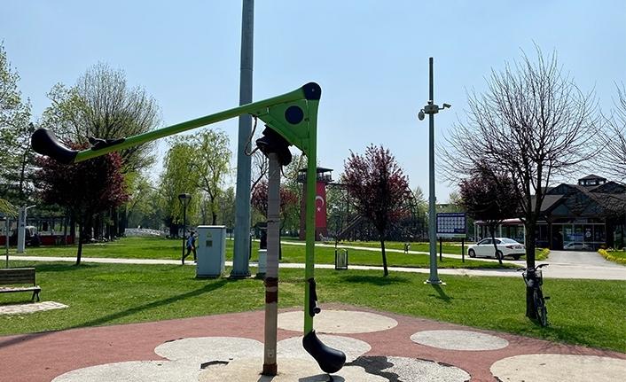 Serbes: Çocuk parklarını inşa etmek kadar bakımlı ve güvenli tutmak da önemli